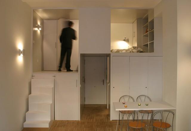 Với diện tích hạn hẹp, đã sử dụng rất nhiều giải pháp lưu trữ thông minh nhằm tiết kiệm không gian.