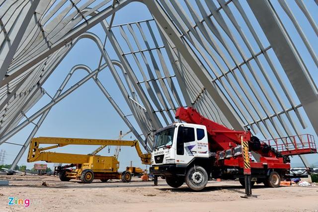Ước tính có tới 1.000 tấn sắt thép để xây dựng lên công trình hoành tráng này.