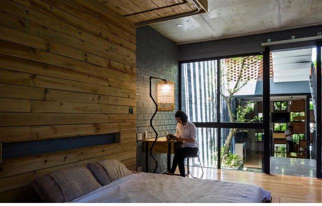Một phòng ngủ khác cũng được thiết kế tương tự.