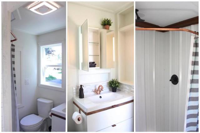 Khu vực vệ sinh được thiết kế toàn bộ với tông màu trắng giúp không gian nơi góc nhỏ này trở nên sạch sẽ và thoáng sáng. Những hệ thống tủ đựng đồ giúp cho nhà vệ sinh thêm gọn gàng ngăn nắp.