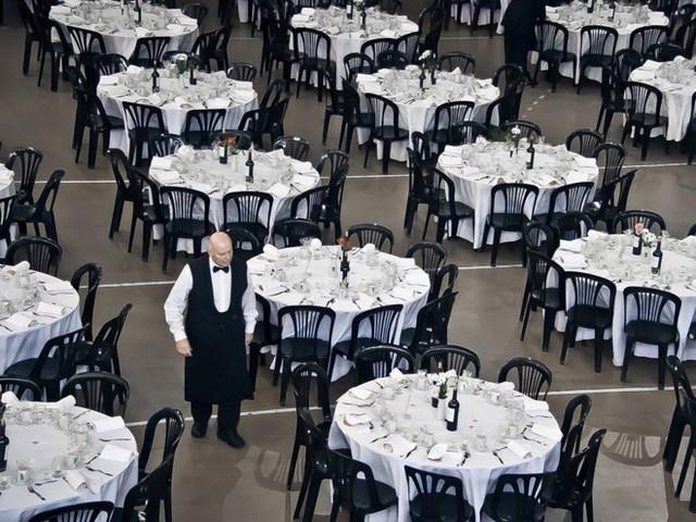 Khu vực sảnh tiếp khách của biệt thự có diện tích 213 mét vuông, có thể chứa hơn 150 người cho một bữa tiệc ngồi, 200 người cho tiệc đứng.