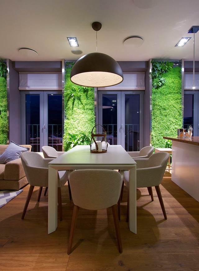 Để duy trì được vẻ đẹp ban đầu của tường xanh thì việc kiểm tra định kỳ rất quan trọng. Chủ nhà cần phải thường xuyên cắt tỉa, nhặt lá vàng, bổ sung chất dinh dưỡng.....