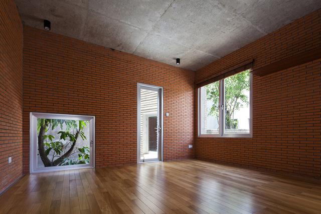 Không gian bên trong ngôi luôn mát mẻ, thoáng khí nhờ những khu vườn trên mái.