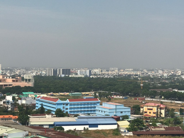 Nhiều chung cư cao tầng đang bao quanh nghĩa trang Bình Hưng Hòa