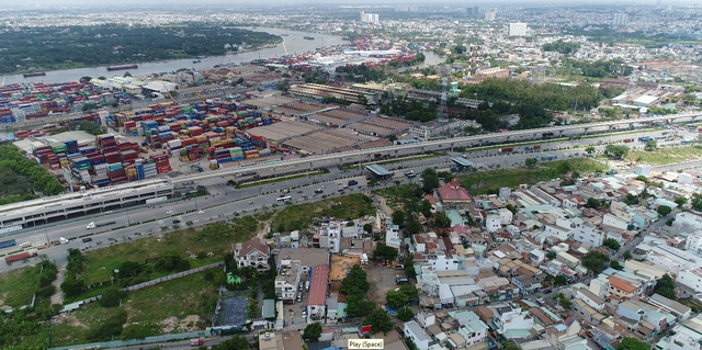 Tuyến metro Bến Thành – Suối Tiên sắp đi vào hoạt động sẽ giúp khu vực trung tâm được kết nối dễ dàng với khu vực phía Đông thành phố như quận 2, quận 9 và Thủ Đức.