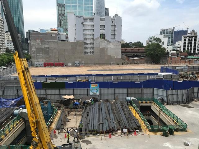 Nhà ga ngầm trước nhà hát TP.HCM đã cơ bản hoàn thành phần thô.