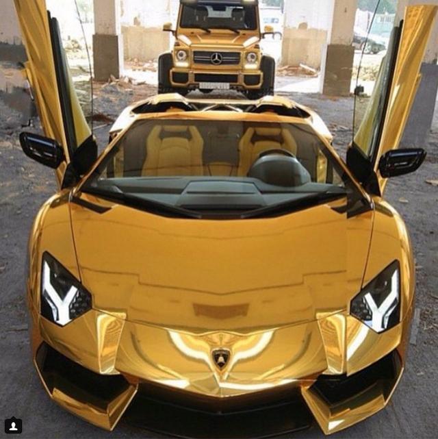 Những siêu xe bọc vàng hút mắt bất kỳ ai.