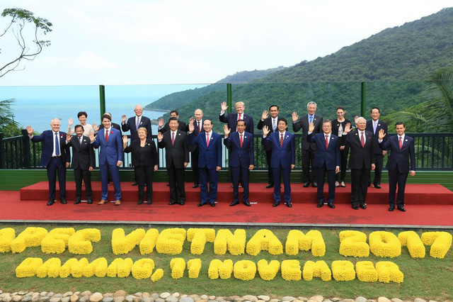 Toàn bộ nhà lãnh đạo và trưởng đoàn 21 nền kinh tề thành viên APEC