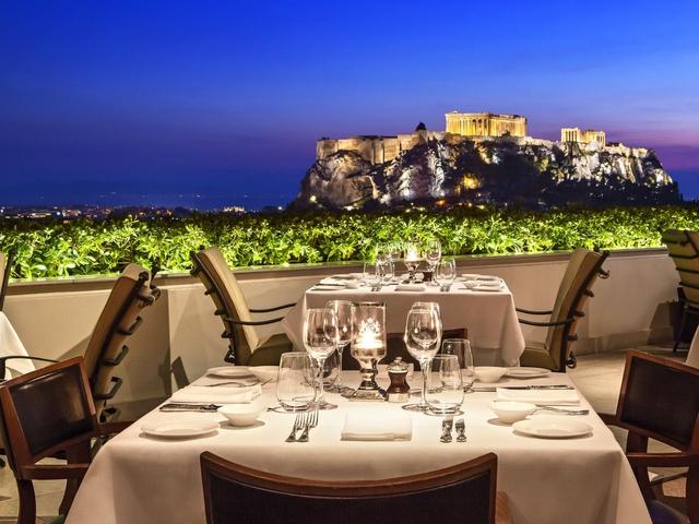 Tầm nhìn tuyệt đẹp từ khách sạn Athens Gate.