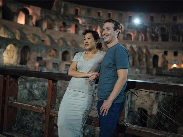 Mỗi năm Mark Zuckerberg có thói quen tự đặt cho mình một thử thách cá nhân và đi hưởng tuần trăng mật cùng vợ ở một địa điểm mới, kể cả khi đã có hai cô con gái nhỏ.