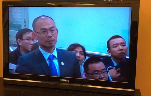 Sáng 27/2 Xét xử Hà Văn Thắm: Quyết định tạm đình chỉ vụ án với nguyên phó tổng giám đốc OceanBank - Ảnh 2.