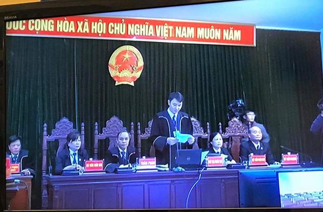 Sáng 27/2 Xét xử Hà Văn Thắm: Quyết định tạm đình chỉ vụ án với nguyên phó tổng giám đốc OceanBank - Ảnh 1.