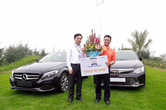 3 golfer với cú hole - in - one nhận được tổng giá trị giải thưởng lến tới gần 15 tỷ đồng.