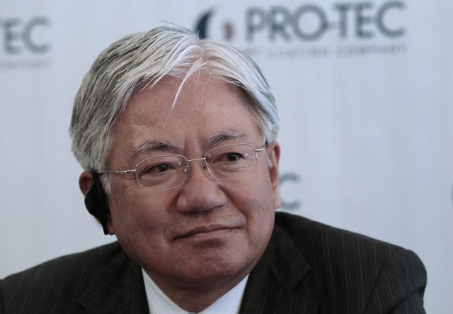 Hiroya Kawasaki, Tổng giám đốc điều hành Kobe Steel.