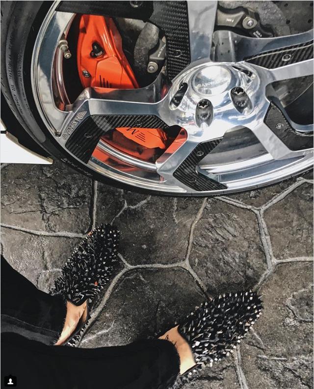 Các công tử nhà giàu Hong Kong luôn đảm bảo mang những đôi giày chất nhất.