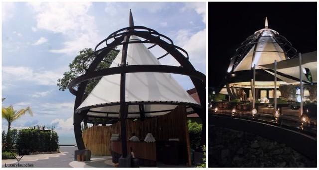 Thư giãn hoàn toàn tại Beach Bar & Grill để phóng tầm mắt ra biển Andaman.