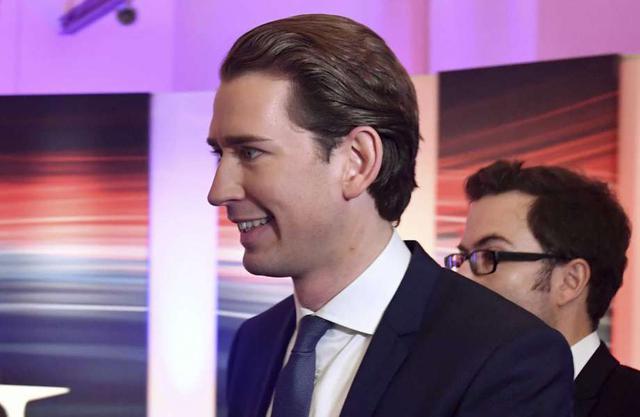Lãnh đạo OVP tham gia một cuộc phỏng vấn trên truyền hình sau khi kết thúc cuộc bầu cử. (Ảnh: AP)
