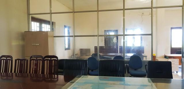 [Video+Ảnh] Tá hoả khi đến thăm căn nhà bỏ hoang ven biển, nơi đặt đại bản doanh của KSA & BII - Ảnh 11.