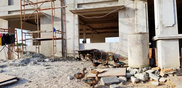 [Video+Ảnh] Tá hoả khi đến thăm căn nhà bỏ hoang ven biển, nơi đặt đại bản doanh của KSA & BII - Ảnh 21.