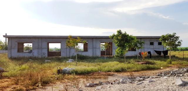 [Video+Ảnh] Tá hoả khi đến thăm căn nhà bỏ hoang ven biển, nơi đặt đại bản doanh của KSA & BII - Ảnh 23.