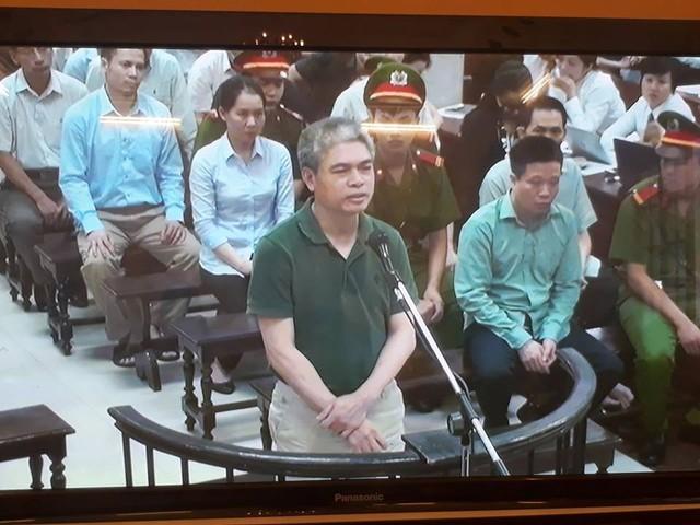 Xét xử vụ Hà Văn Thắm sáng 30/8: Nguyễn Xuân Sơn khai có nhận tiền của Hà Văn Thắm - Ảnh 1.