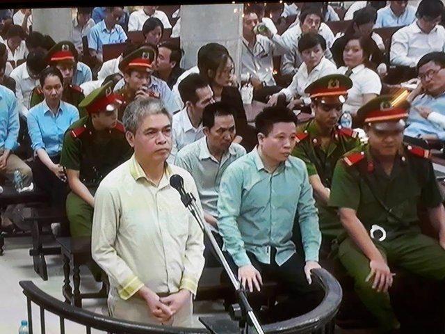 Phiên tòa chiều 31/8: Hà Văn Thắm khai vì tin tưởng Sơn nên chuyển tiền mà không hạch toán - Ảnh 1.