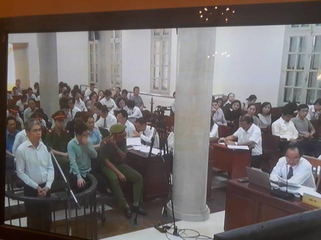 Phiên tòa sáng 6/9: Hà Văn Thắm nói Nguyễn Xuân Sơn không thể chiếm đoạt tiền của Oceanbank - Ảnh 1.