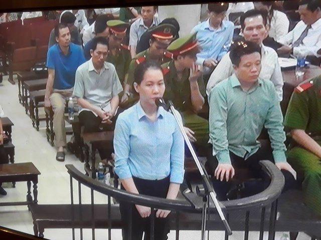 Phiên tòa sáng 8/9: Yêu cầu triệu tập ông Trần Thanh Quang, bà Lê Thị Thoa, đại diện Vietsovpetro đến tòa ngay chiều nay - Ảnh 1.