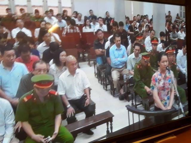 Phiên tòa sáng 9/9: Hà Văn Thắm nói cho đến khi bị bắt, OceanBank chưa bao giờ bị giám sát đặc biệt - Ảnh 1.