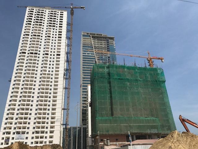 Dự án tổ hợp condeltel và khách sạn gần 2.000 căn của tập đoàn Mường Thanh. Hiện dự án đang trong giai đoạn hoàn thiện, lắp kính bên ngoài.