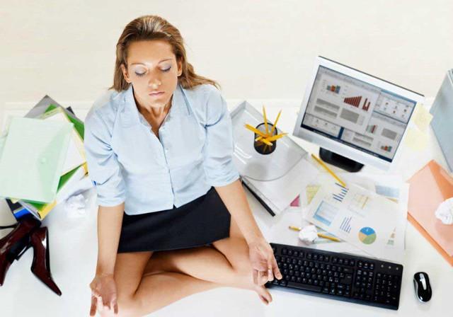 Ngồi thiền giúp tái tạo nhiệt huyết làm việc.