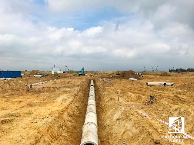 Phú Gia Compoud ở quận Thanh Khê là một trong những dự án đã huy động vốn khách hàng, đang bị đề nghị điều tra. Dự án này cũng liên quan đến đại gia bất động sản nói trên.
