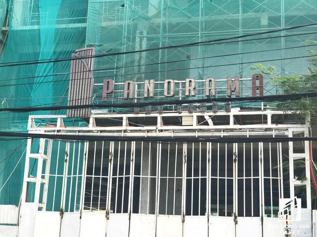Hiện dự án tạm ngưng thi công tại tầng 26. Ông Nguyễn Xuân Thùy - Chủ tịch Hiệp hội BĐS tỉnh Khánh Hòa cho rằng chưa biết bên nào đúng, bên nào sai nhưng nếu dự án ngưng thi công để thanh kiểm tra thì khách hàng chịu thiệt nặng nhất.