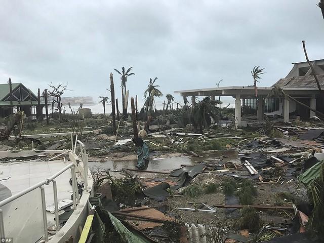Khung cảnh hoang tàn sau khi bão Irma đi qua.
