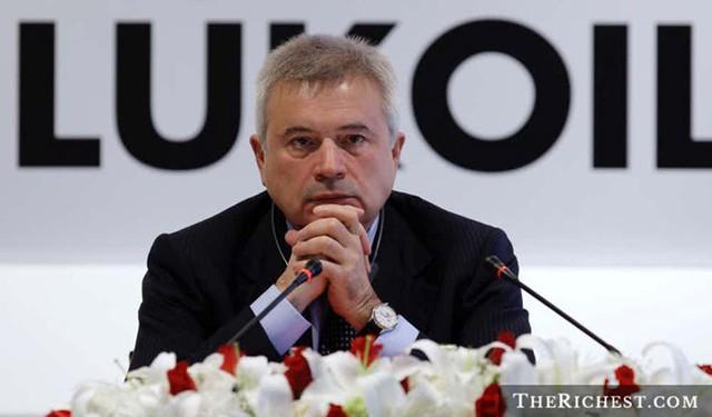 Tỷ phú Vagit Alekperov từng được biết đến với cương vị Thứ trưởng bộ dầu khí dưới chính quyền Liên Xô cũ. Ông hiện nắm giữ khối tài sản ròng ước tính trị giá khoảng 14,8 tỷ USD