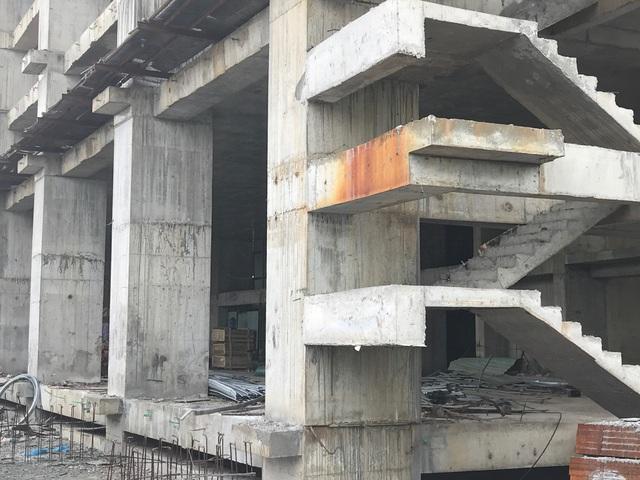 Công trình tại thửa đất số 29, 30 tờ bản đồ số 10, Khu biệt thự cao cấp Redstar (phường Phước Mỹ,Sơn Trà, Đà Nẵng) nằm ở vị trí giao nhau giữa đường Võ Nguyên Giáp-Trần Hữu Tước.