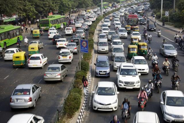 Giao thông trong giờ cao điểm buổi sáng tại Delhi
