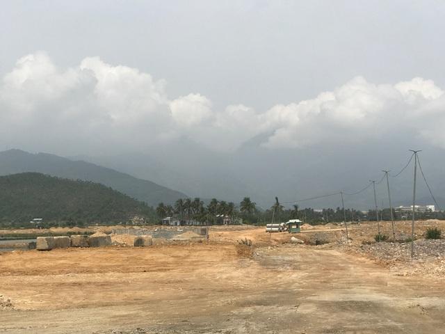 Trước đó, Công ty đã đầu tư đưa vào sử dụng đường Nguyễn Tất Thành nối dài băng ngang qua dự án KĐT Golden Hills, kết nối với Khu Công nghệ cao và Khu công nghệ thông tin tập trung, với vốn đầu tư gần 300 tỷ đồng.
