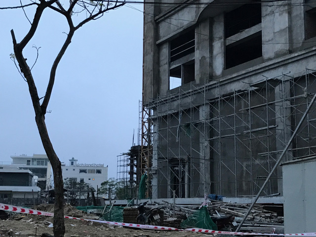 Ngay sau khi xảy ra vụ việc ông Huỳnh Đức Thơ, chủ tịch UBND TP Đà Nẵng cũng đã đến hiện trường để chỉ đạo công tác tìm kiếm cứu nạn và khắc phục hậu quả.