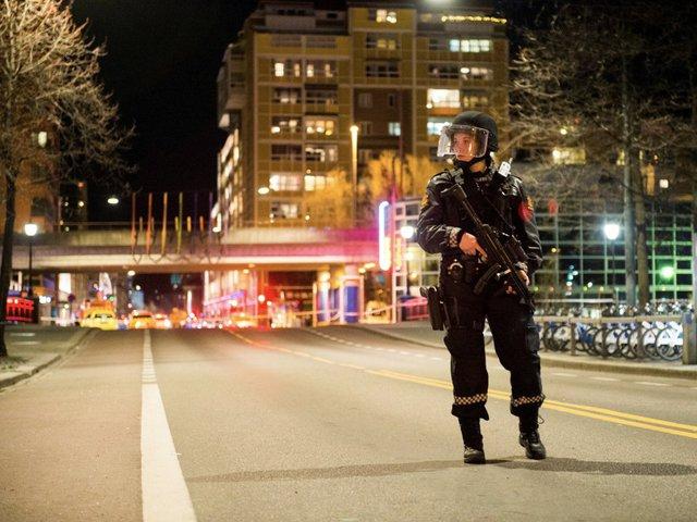 Thậm chí, nhiều vị trí trong lĩnh vực đảm bảo an ninh, cảnh sát cũng sẽ bị thay thế bởi trí thông minh nhân tạo. Nó chiếm tới 5% tổng số việc bị mất. Ảnh: Reuters