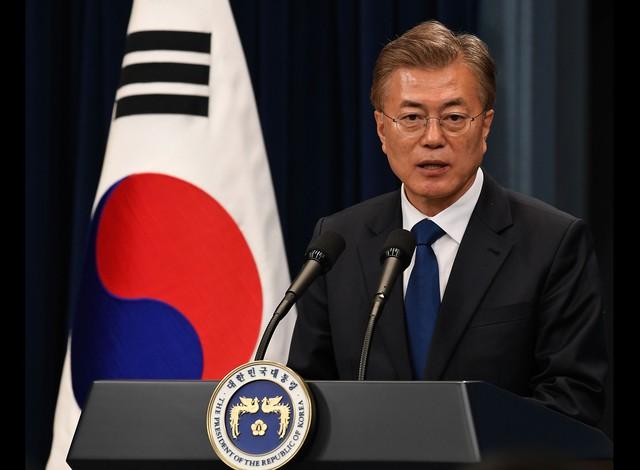 Hàn Quốc áp lệnh trừng phạt 18 người Triều Tiên trước khi ông Trump đến - Ảnh 1.