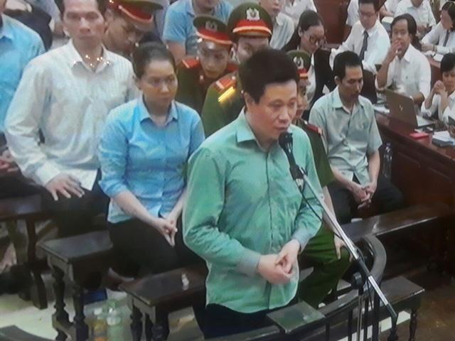 Phiên tòa chiều 19/9: Hà Văn Thắm xin nhận mức cao nhất của tội Cố ý làm trái và xin tha cho đồng nghiệp - Ảnh 1.