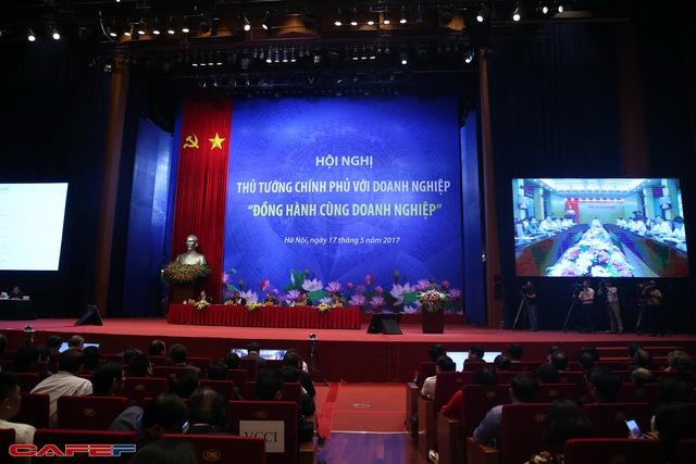 [Trực tiếp] Thủ tướng ký ngay một văn bản tại hội nghị chấn chỉnh việc thanh kiểm tra khiến doanh nghiệp bị làm khó - Ảnh 3.