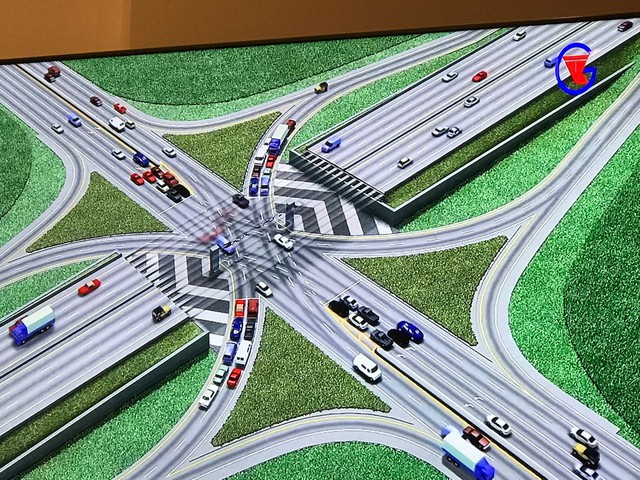 Đường cao tốc Bắc - Nam phía Đông được đánh giá là có vai trò quan trọng đối với phát triển kinh tế của đất nước, kết nối trung tâm chính trị Thủ đô Hà Nội và trung tâm kinh tế thành phố Hồ Chí Minh, đi qua 32 tỉnh, thành phố và các vùng kinh tế - xã hội của cả nước...