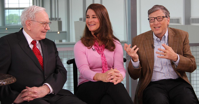 Tỷ phú Warren Buffett là người bạn thân thiết của vợ chồng Bill Gates trong suốt 25 năm.