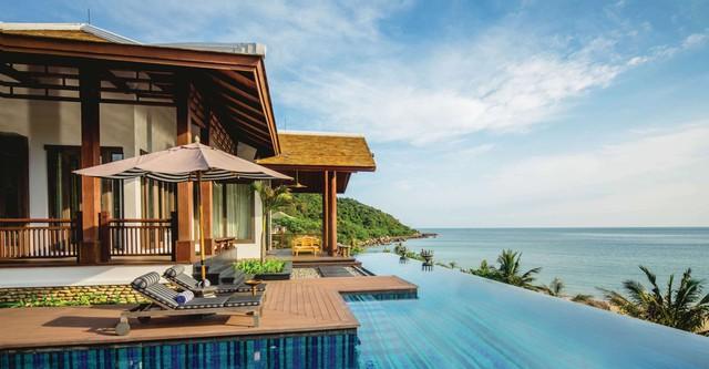 Mỗi căn biệt thự sở hữu không gian 1000m2, được thiết kế biệt lập, theo hướng mở, ôm trọn vẻ đẹp thơ mộng của bán đảo Sơn Trà.