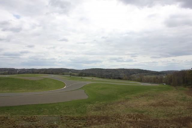 Nếu thử lái một chiếc xe đua của Wilzig, bạn sẽ được trải nghiệm cảm giác góc cua 20 độ đầy bất ngờ.