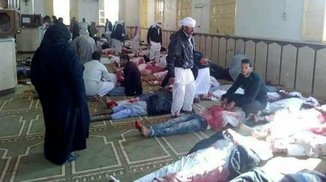 Al Arabiya dẫn thông báo của nhà chức trách cho biết, số người thiệt mạng liên tiếp tăng lên sau một trong những vụ tấn công đẫm máu nhất xảy ra tại Ai Cập trong thời gian qua. Theo các nhân chứng, những kẻ tấn công ném bom và xả súng vào Thánh đường Hồi giáo của làng al-Rawda, thuộc khu vực al-Areesh, Sinai khi rất nhiều tín đồ đang cầu nguyện. Ngoài những người thiệt mạng, có 109 người bị thương trong vụ tắm máu.