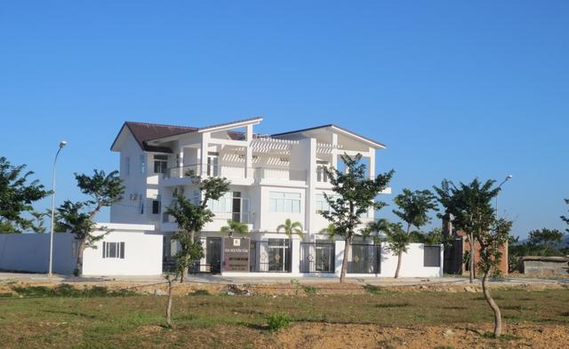 Nhiều khách hàng đã xây nhà và dọn về sinh sống. Tuy nhiên, đa phần đất đã được mua trong dự án đang được nhiều người rao bán lại.