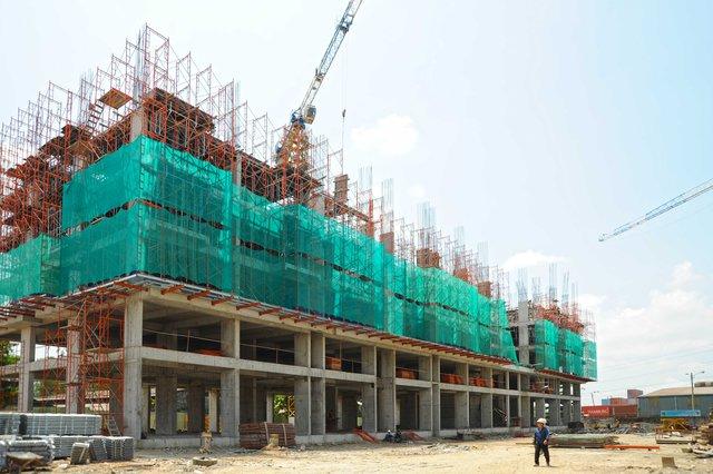 Toàn cảnh công trình đang xây dựng.
